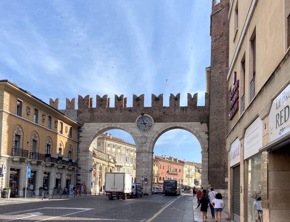 Puerta Bra, Verona
